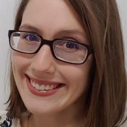 Lina  Hacker